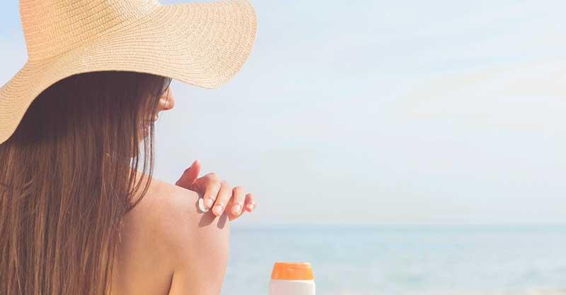 5 gestes beauté pour préparer sa peau au soleil