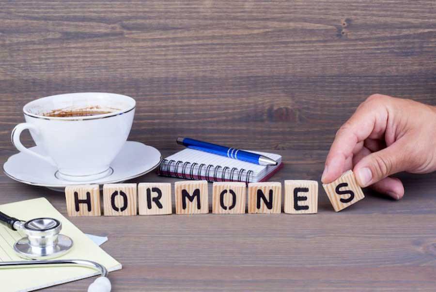 MES HORMONES, MA PEAU ET MOI